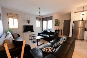 דירת 3 חדרים עם מרפסת ונוף לים- BEBER